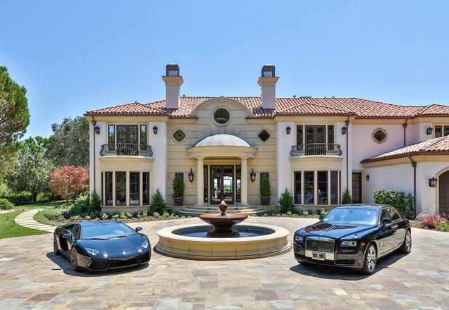 $29,995,000 - 46 Beverly Park Circle