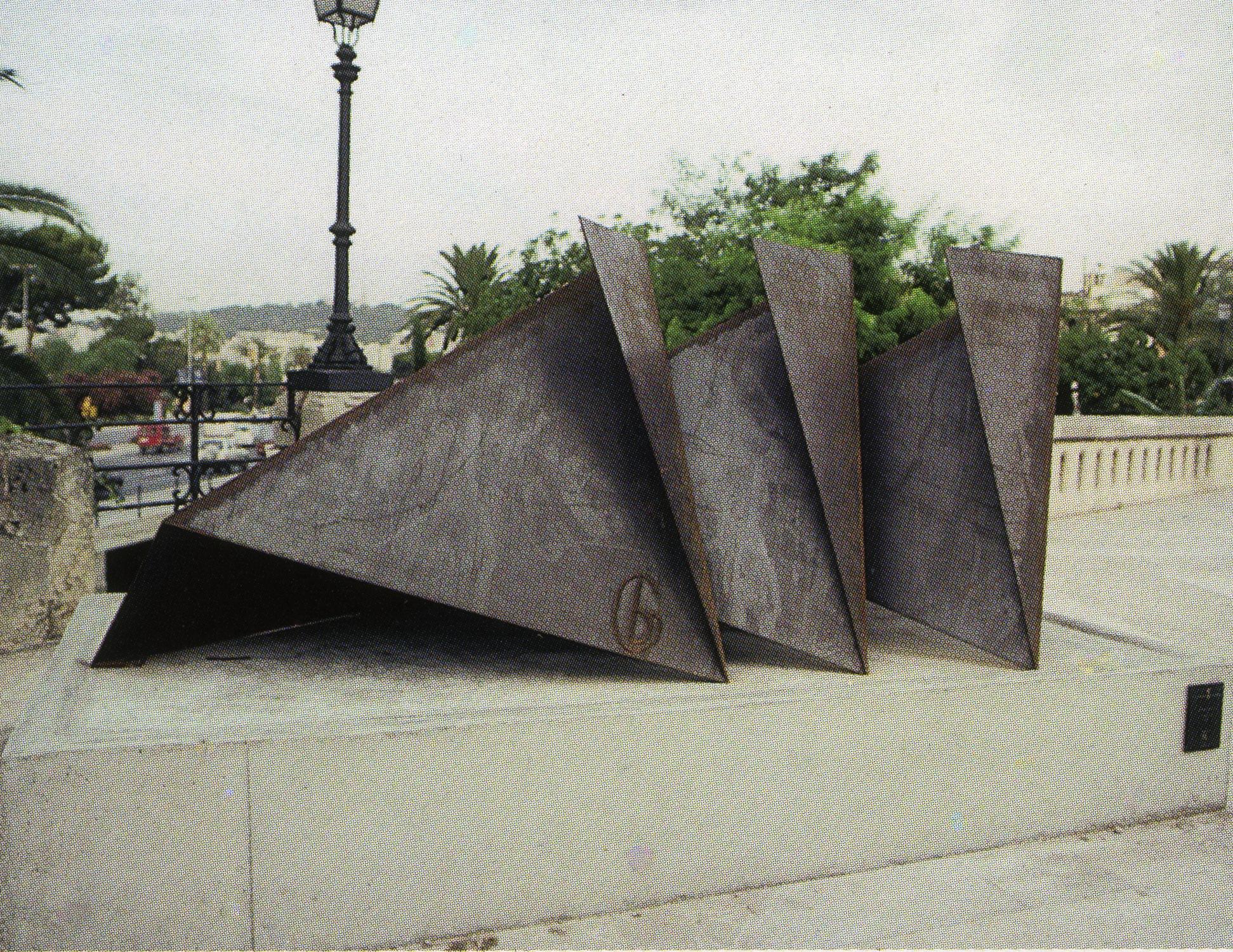 City of Palma de Mallorca, Baleares, Spain; 1999.  Titóni.  4' x 8' x 5'