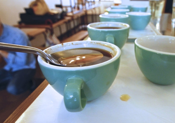 cafe-filtre-coffee-shop-cupping-barista-specialite-conseil-baristas-et-associes-dimitri-grodwohl