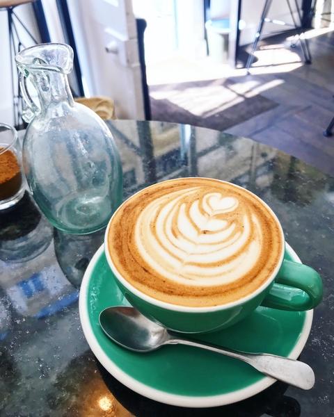 baristas-associes-coffee-shop-paris-cafe-de-specialite-specialty-barista-formation-coffeegeek.jpg