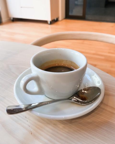 baristas-associes-coffee-shop-paris-cafe-de-specialite-specialty-espresso-recette-equilibre-extraction-crema.jpg