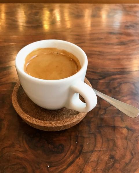baristas-associes-coffee-shop-paris-cafe-de-specialite-specialty-indépendant-entrepreneur.jpg