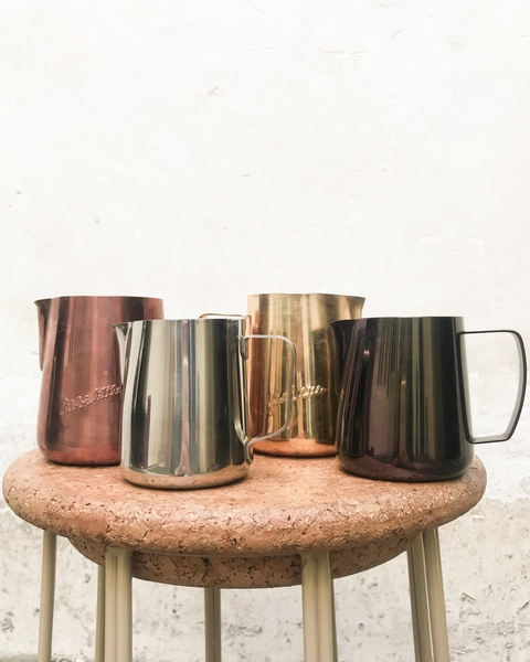 baristas-associes-coffee-shop-paris-cafe-de-specialite-specialty-espresso-recette-latte-art-cappuccino-flat-white-pichet.jpg