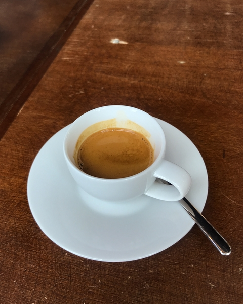 cafe-lomi-coffee-shop-paris-gastronomie-espresso-cafe-de-specialite-specialty-france-barista-guide-baristas-et-associes.jpg