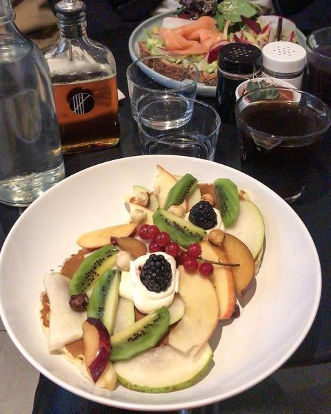 5-pailles-coffee-shop-paris-salmon-brunch-filtre-pancakes-tartines-avocat-espresso-cafe-de-specialite-specialty-france-barista-guide-baristas-et-associes.jpg.jpg