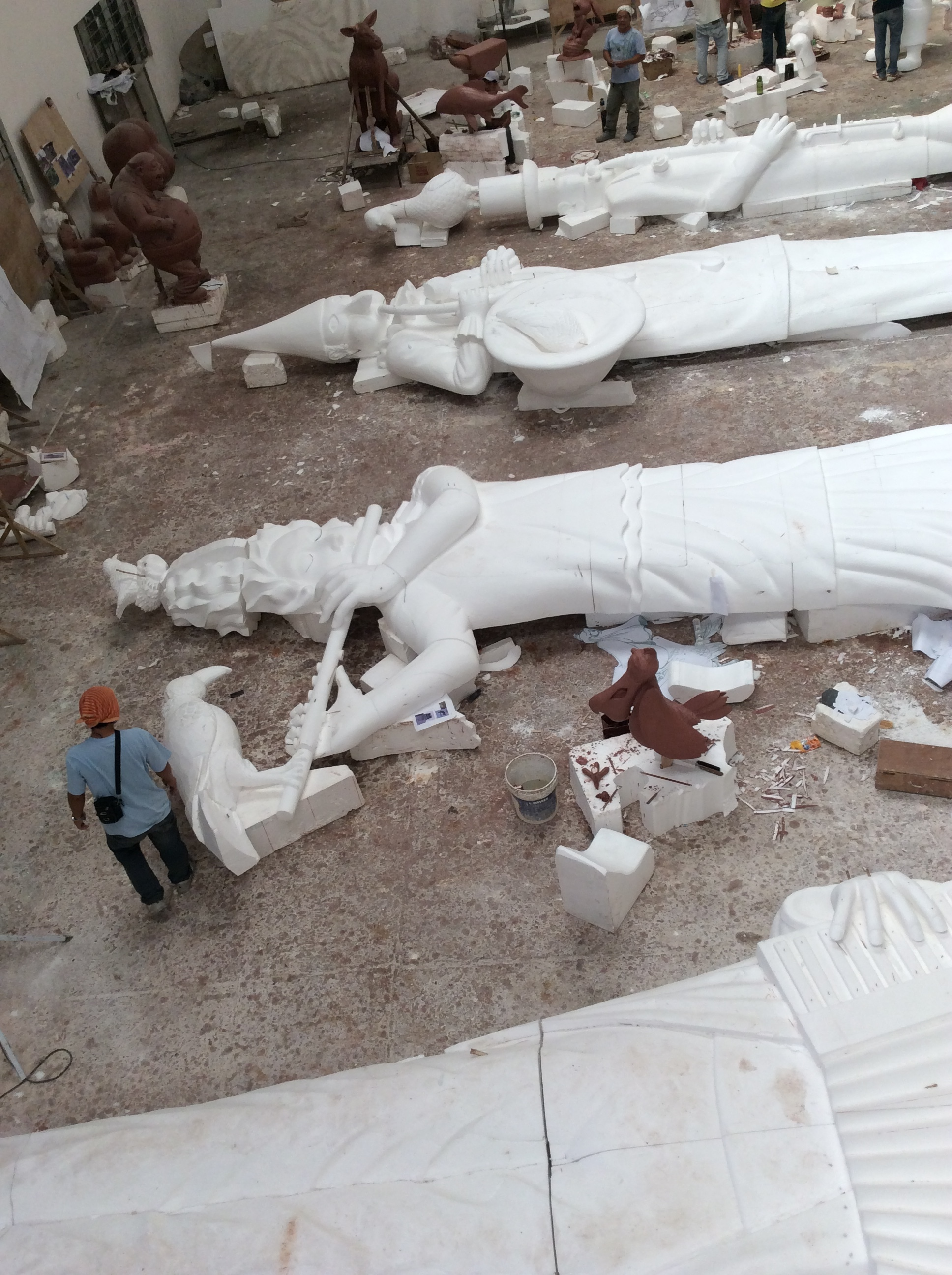 figures under construction, Themebuilders workshop, Angeles City, the Phillipines 2015