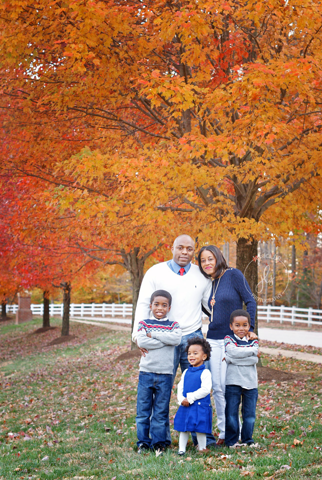 Fall Family Portrait at Old Hickory Golf Course in Woodbridge, VA with Jessica LS Photography