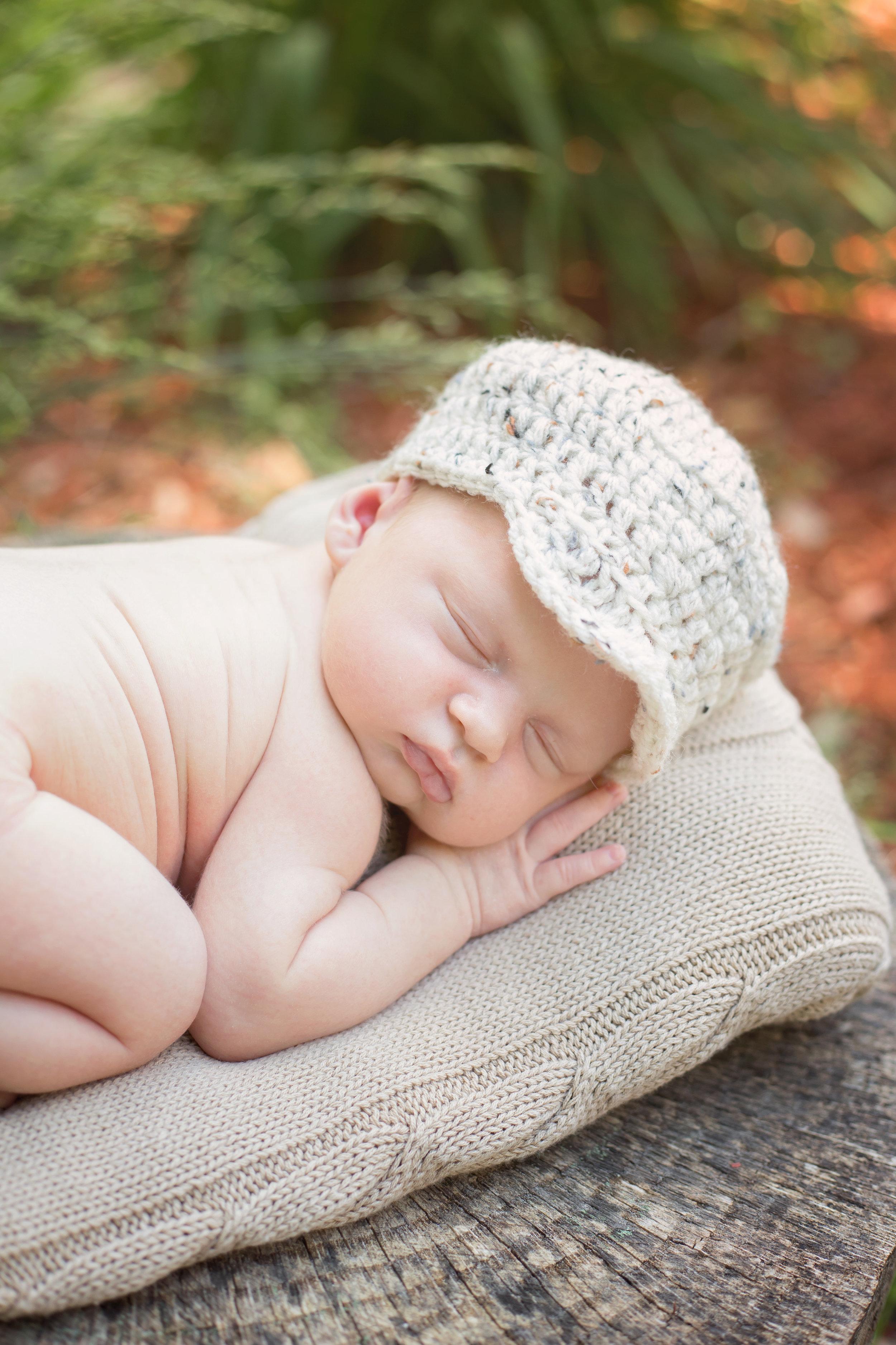 Outdoor newborn portrait in Woodbridge VA