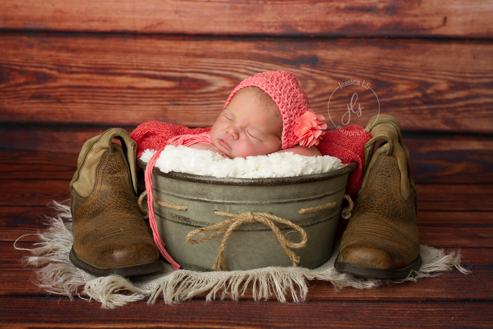 This baby girl was born at home and came into the studio when she was only 3 days new! She slept like a dream! And meeting her 4 older brothers and sisters was a treat also! When dad asked if he could add his boots into the setup I was super excited!