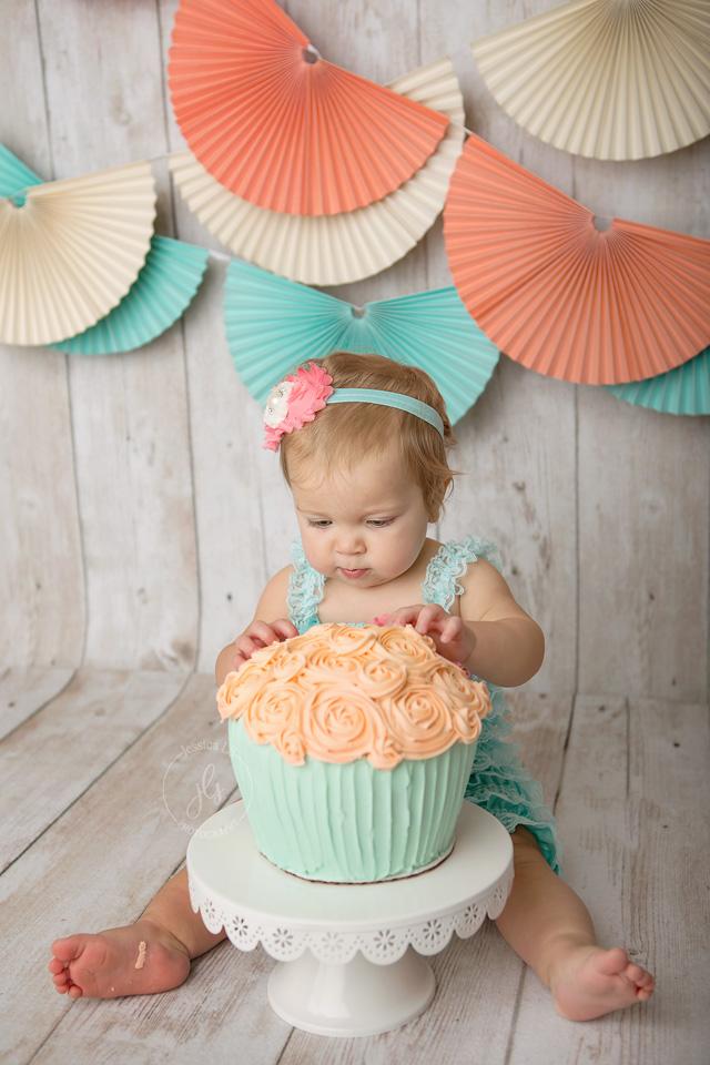 cake smash with large cupcake cake