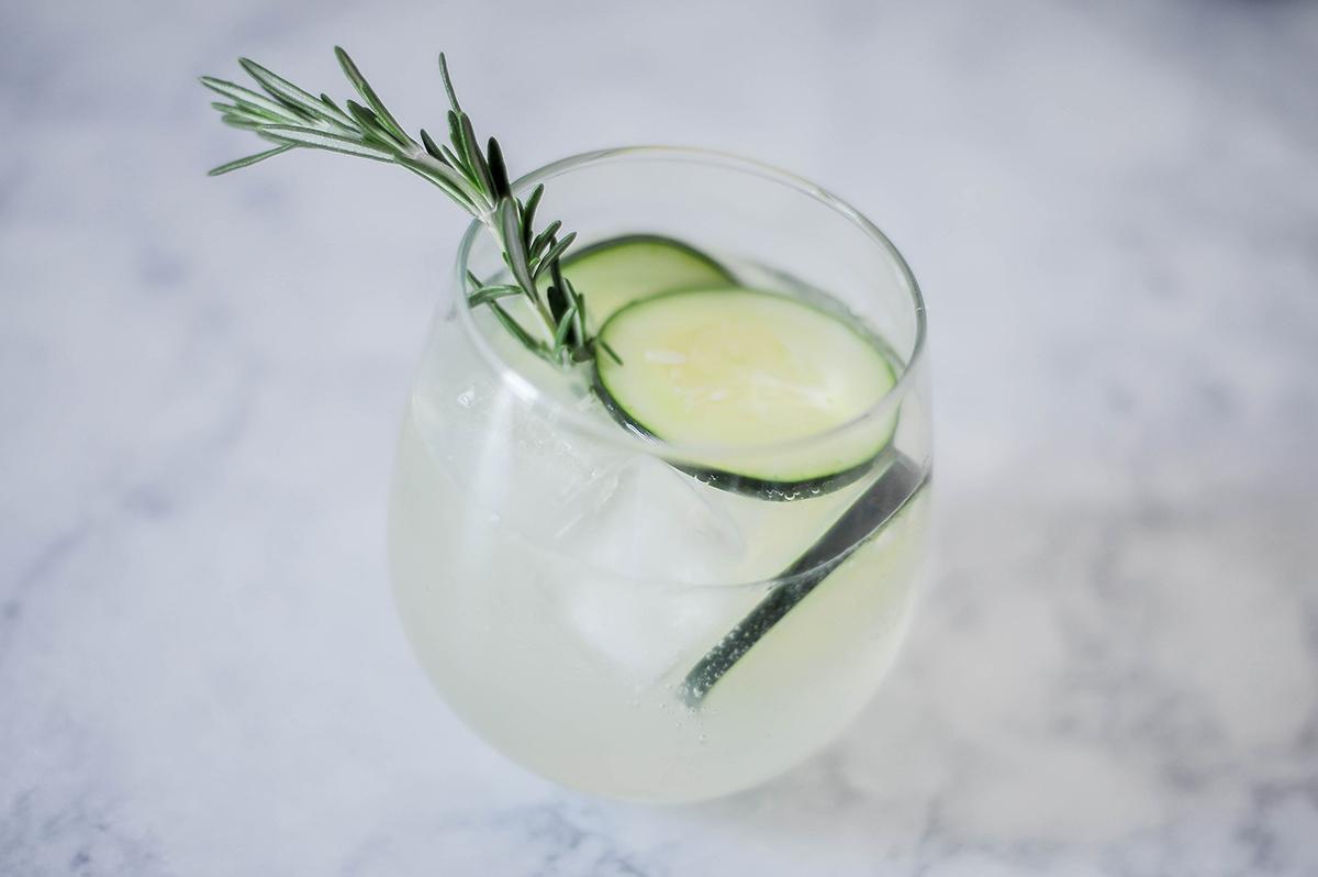 Smak Chicago Food Blog Rosemary Gin & Tonic-7