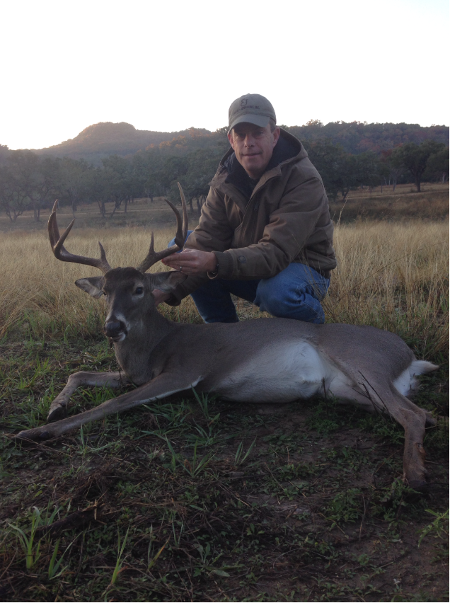 whitetail buck 2.png