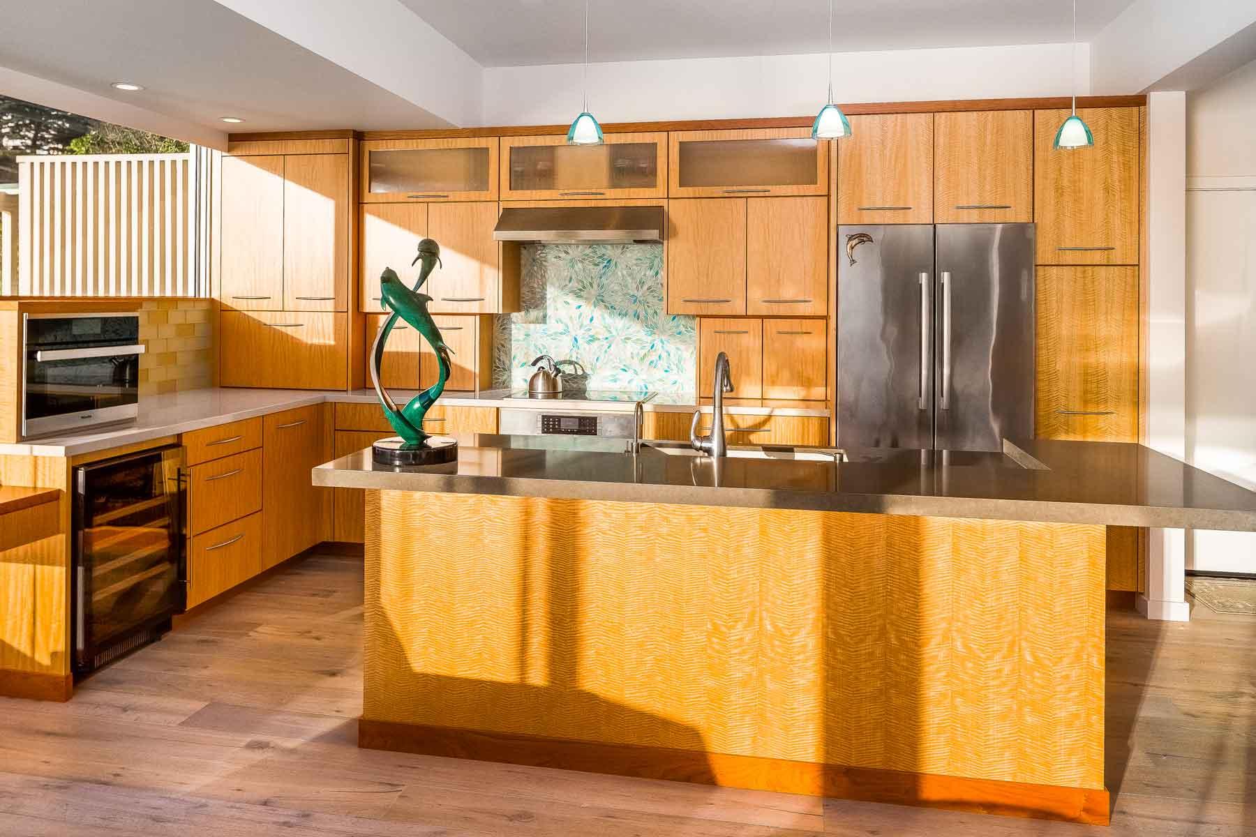 Modern Sunlit Kitchen