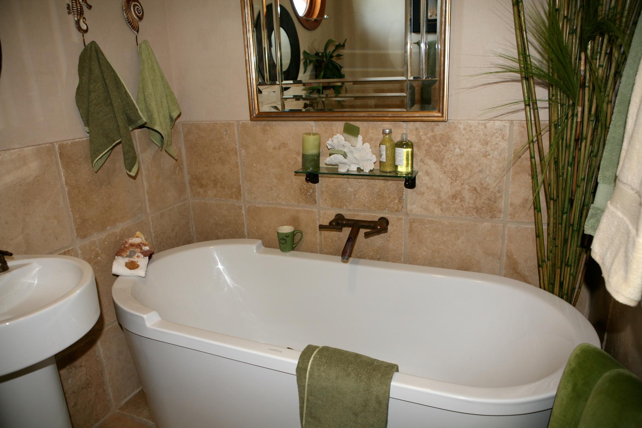 guestbath.jpg