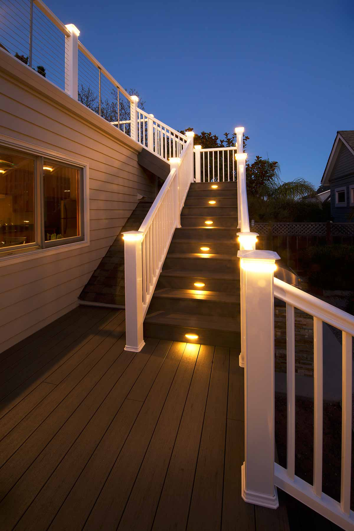 deckstairslighting.jpg