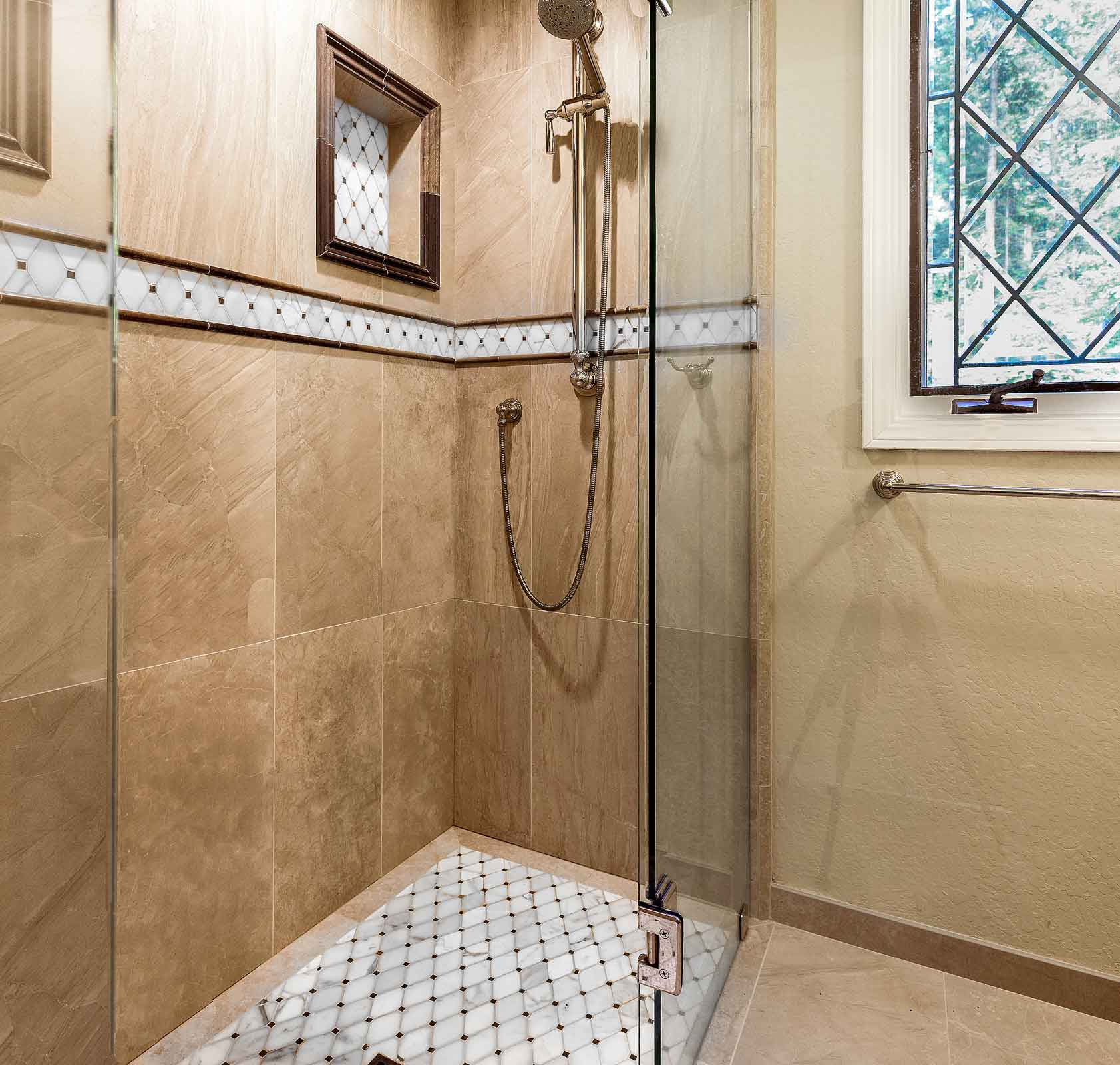 Curbless Shower with Shower Niches
