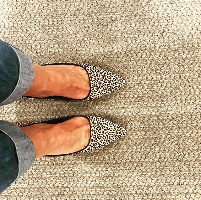 True to my ♓️ sign, I 💕 shoes...deeply! I have coveted leopard pumps for a very long time. Today, in the lovely city of Vancouver, I found the perfect pair - so well-designed and comfy.  #michaelkors  #designmatters #santacruzinteriordesigner #shoppingspree
