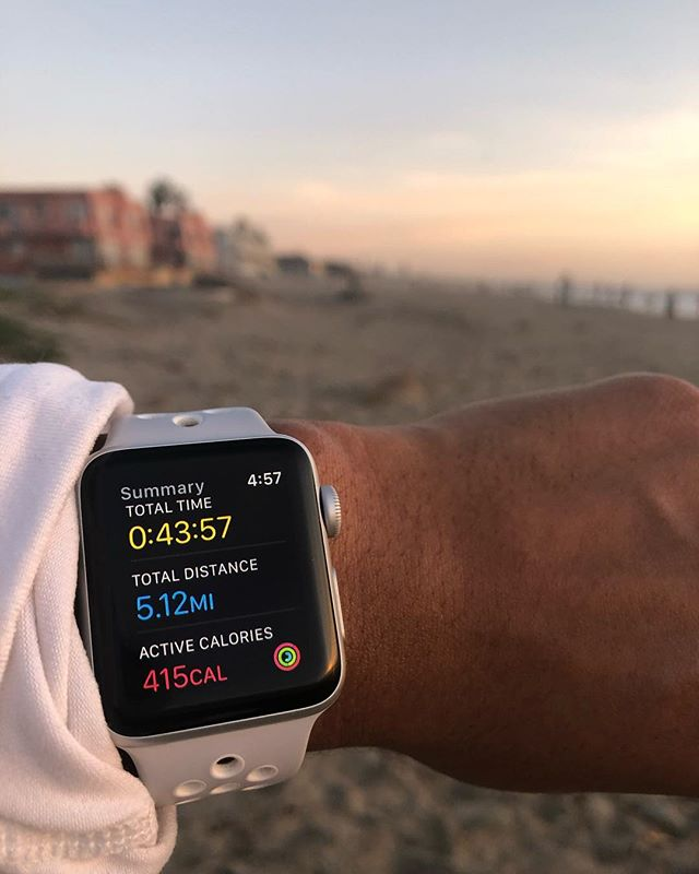 Sunset beach run 🌅 These five miles felt pretty good, and I think I caught the race bug again. Perhaps another half is in my near future 🤔  As I come down off these endorphins I will quickly reflect on this past year. At the beginning of this year I had such a clear vision of my future which has been completely upended at this point and that's ok. I endured a breakup during dedicated board studying and survived, changed my career goals 100 times, experimented with new hairstyles, started to put less energy towards social media and more energy into personal development away from a phone screen,  learned to be comfortable with being uncomfortable, learned how to be alone but not lonely, and most importantly stayed true to my intention of gratitude that I set out at the beginning of the year. No matter how many uncertainties I still have about my future I am holding on to the perspective that no matter what I am blessed for what I have and for how far I have come. It's a mood that got me through 2018 and will certainly carry me through the new year ✌🏾Wishing you all a fulfilled and pleasant New Year's!! 🎉🎉🎉
