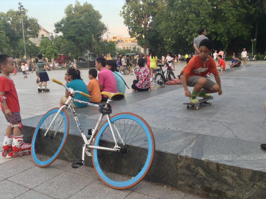 Skateboarding on the base of Lenin's statue at Lenin Square. Source: Geertman, June 2015