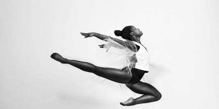 Michaela-DePrince-Het-is-2016-en-je-ziet-nog-steeds-nauwelijks-zwarte-dansers.-Ik-moet-me-daar-dus-over-uitspreken_img700.jpg