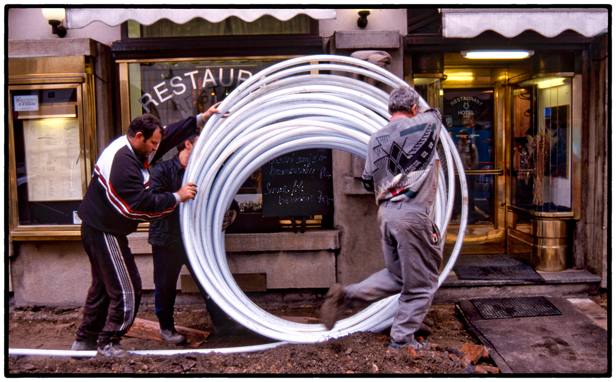 Laying Cable, Prague