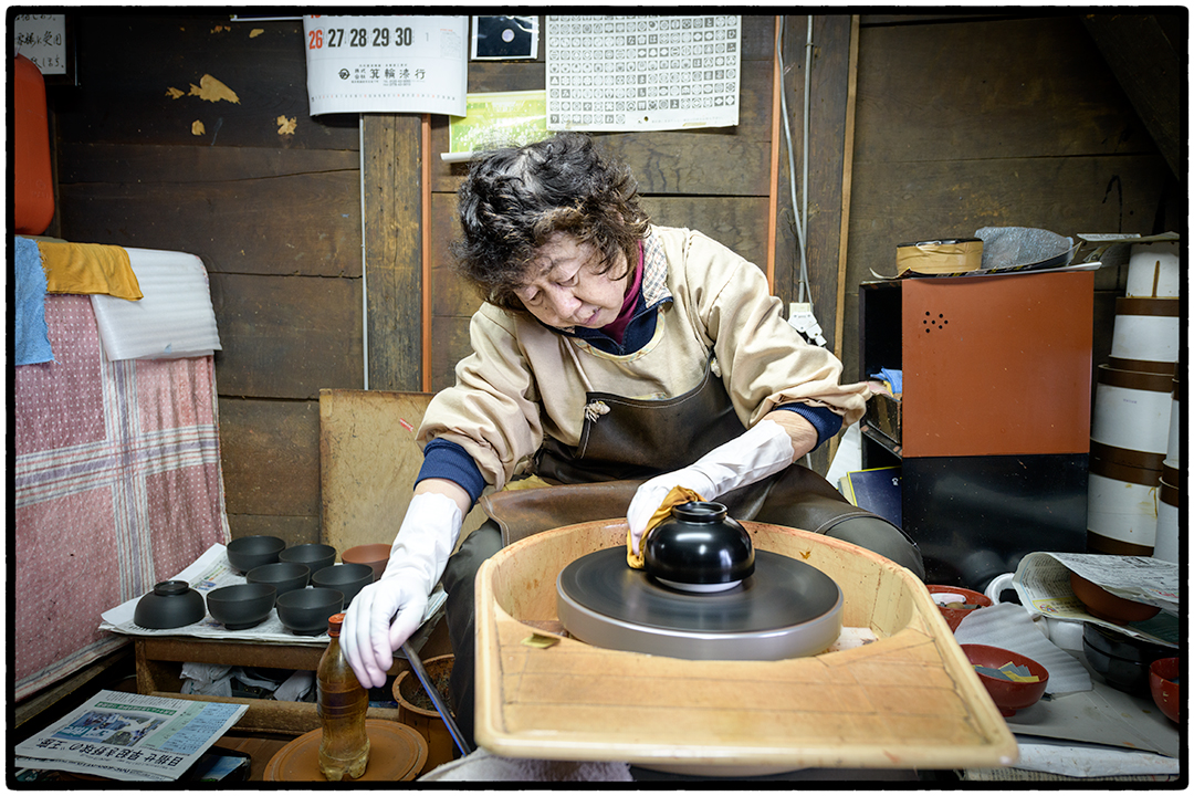 Woman Polishing Lacquer Bowl in Hirasawa