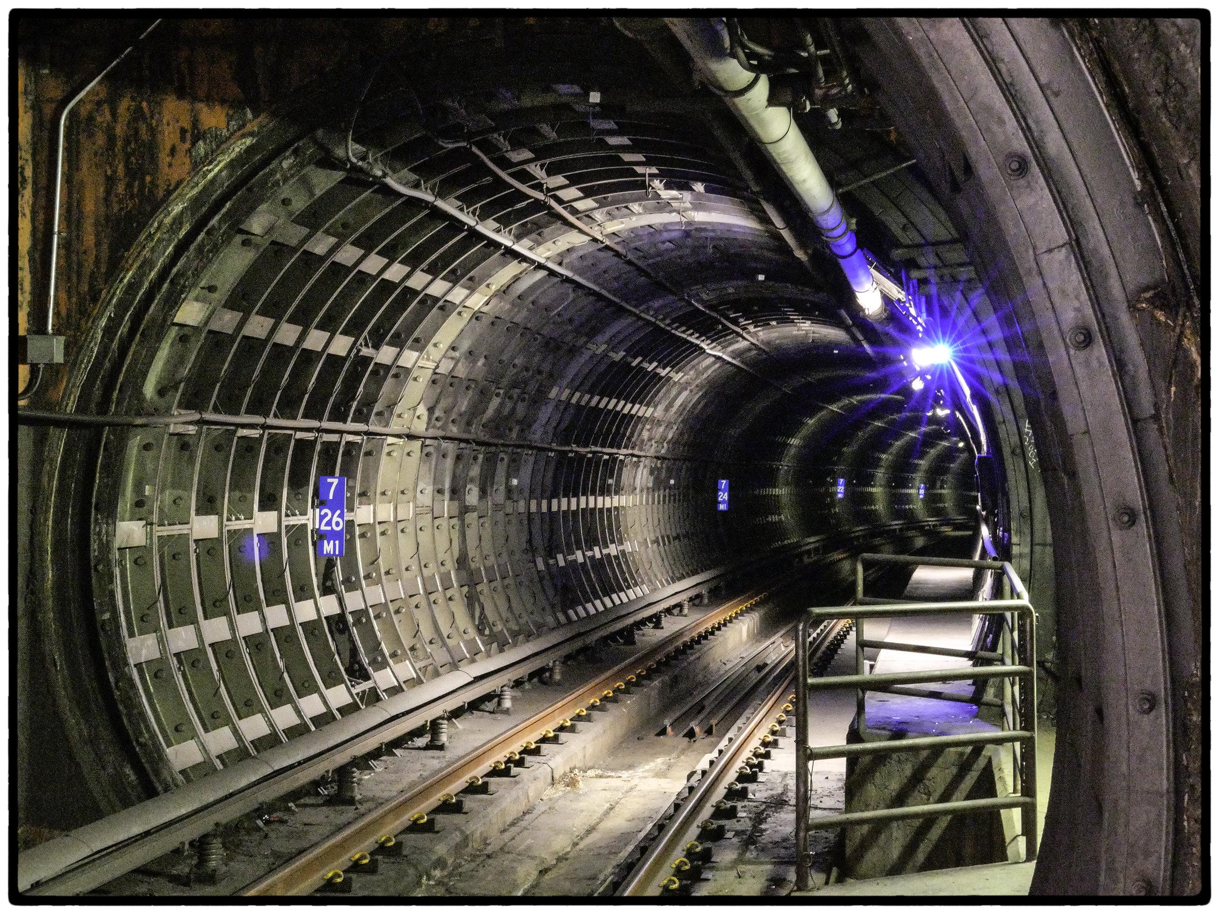 BART tunnel between Embarcadero and Montgomery