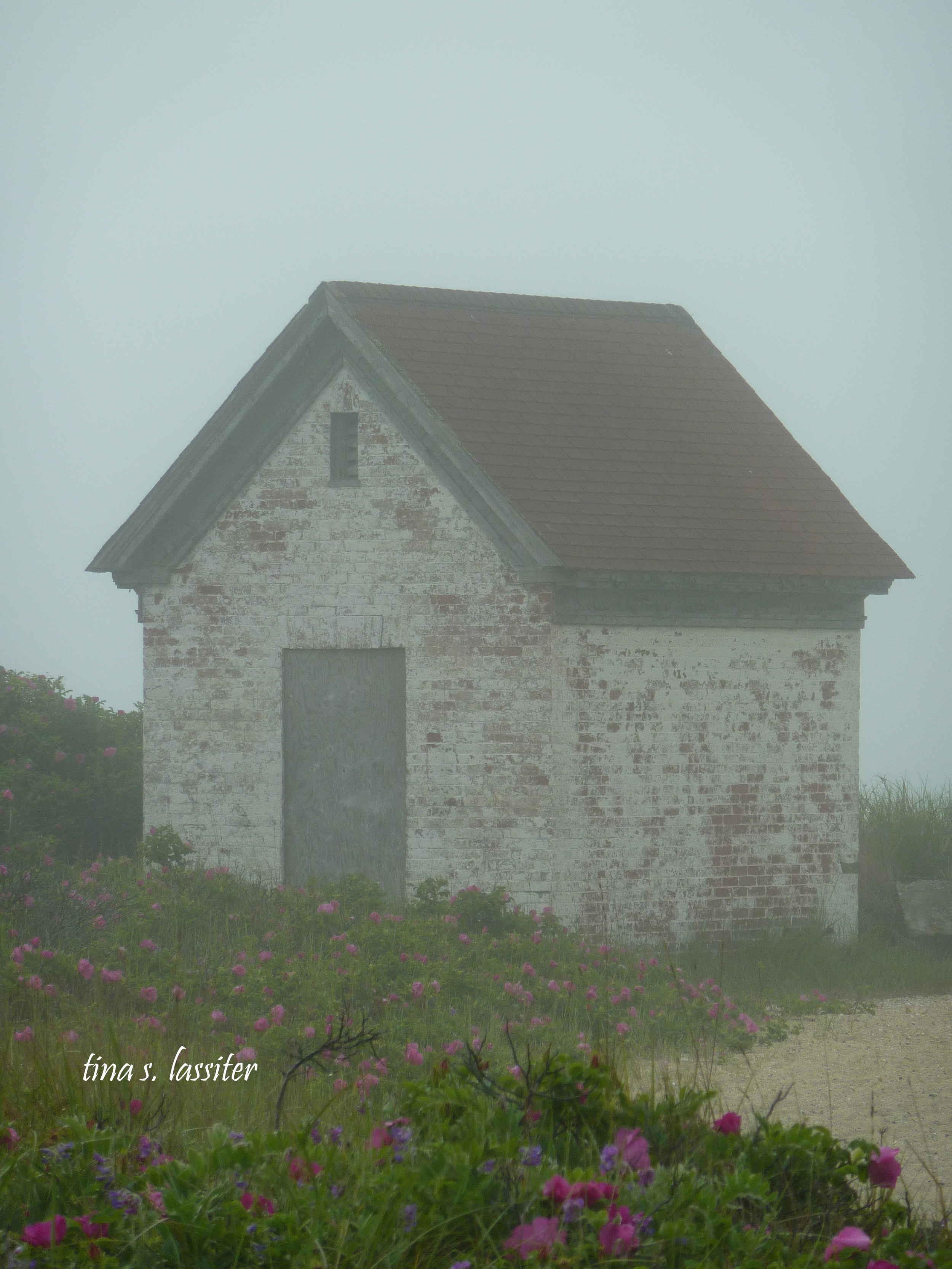 nantucket hut in fog