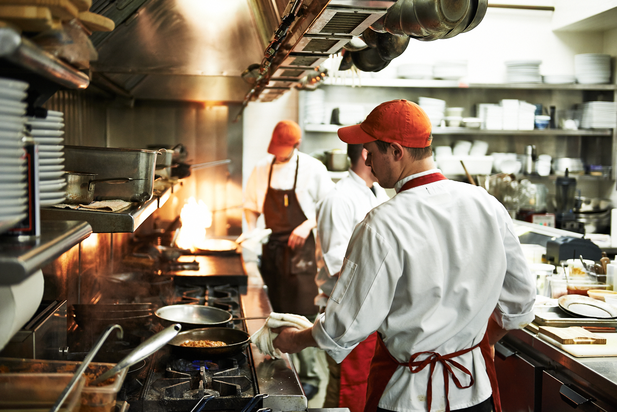 everywhere-busy-restaurant-kitchen-s.jpg