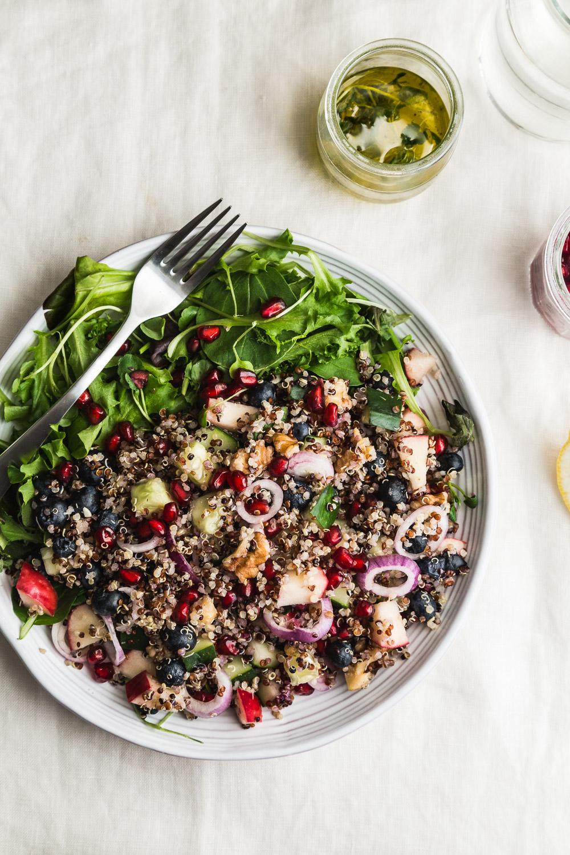 quinoa bluberry pomegranate salad