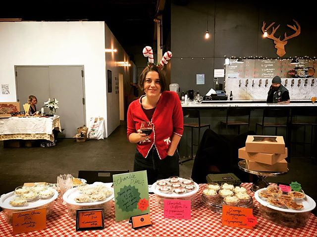 WHO DOESN'T LOVE A HOLIDAY PIE-TY?! Thank you @finbackbrewery for having us today at your awesome Holiday market! We'll be here till 5p making your pie dreams come true! And if you didn't make the deadline to order, get over here now! #charliepies