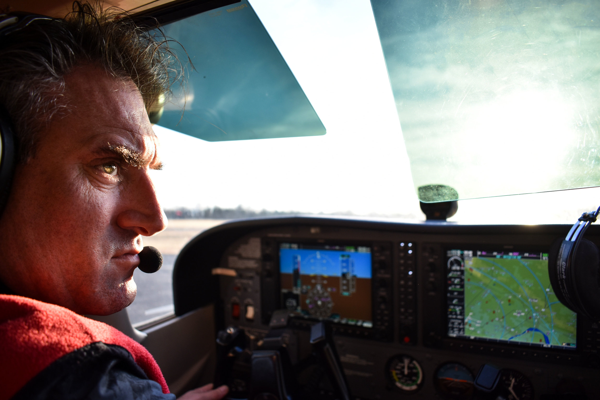 "Raymond de Haan, assistant chief flight instructor at Aviation Adventures in Leesburg, Va., taxis a 2005 Cessna Skyhawk 172SP G1000 at Leesburg Executive Airport (JYO), Tuesday, Feb. 20, 2018. De Haan is an Amsterdam native whose call sign is ""Dutchman."" (Lindsey Leake/American University)"