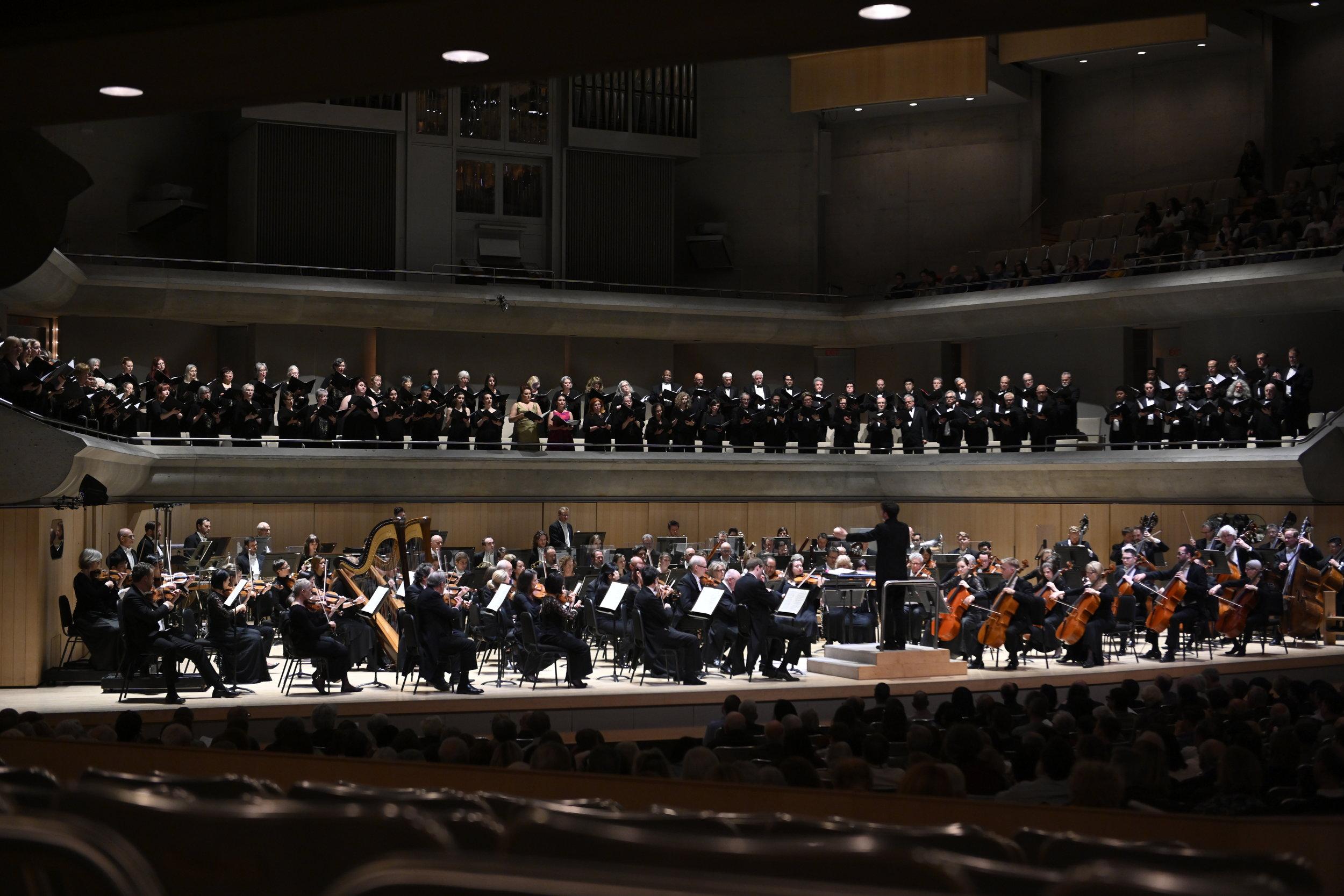TSO, Amadeus Choir, Elmer Iseler Singers, Matthew Halls. Photo by Jag Gundu