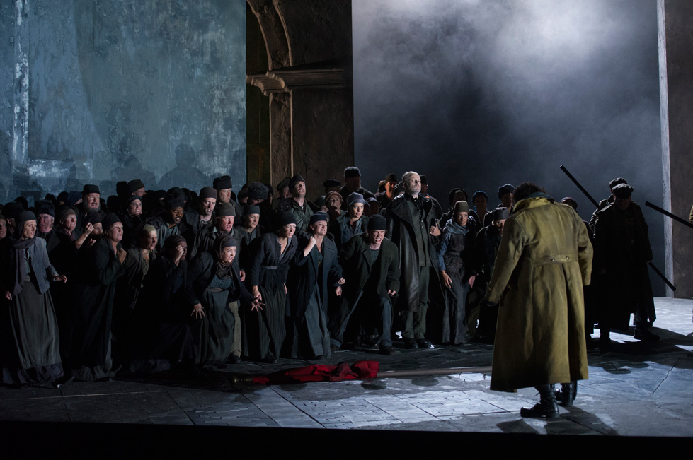 A scene from the English National Opera's  Otello , 2014, photo by Alastair Muir. ( www.coc.ca)