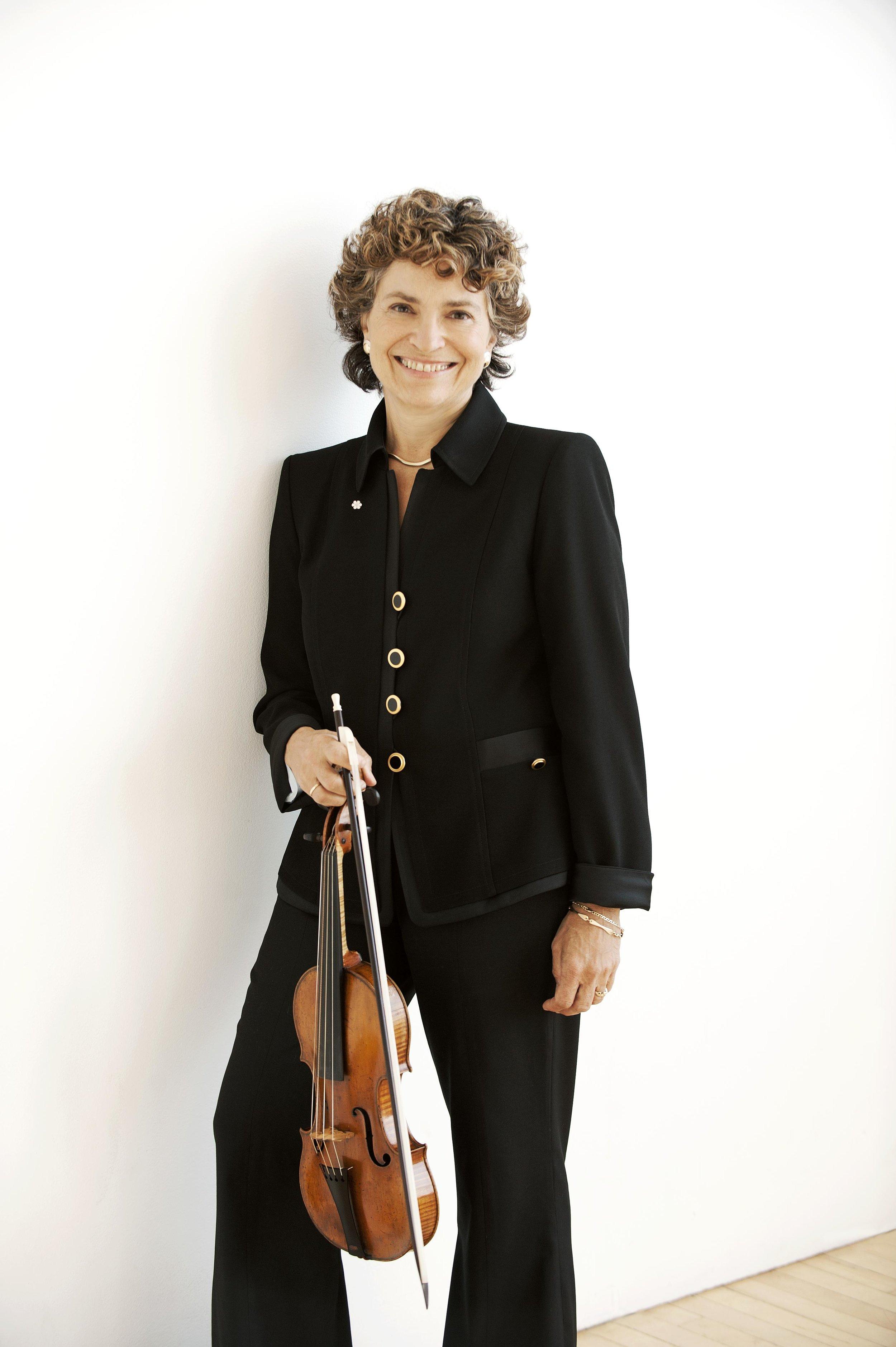 Jeanne Lamon, Music Director Emerita, Tafelmusik Baroque Orchestra. Photo by Sian Richards.