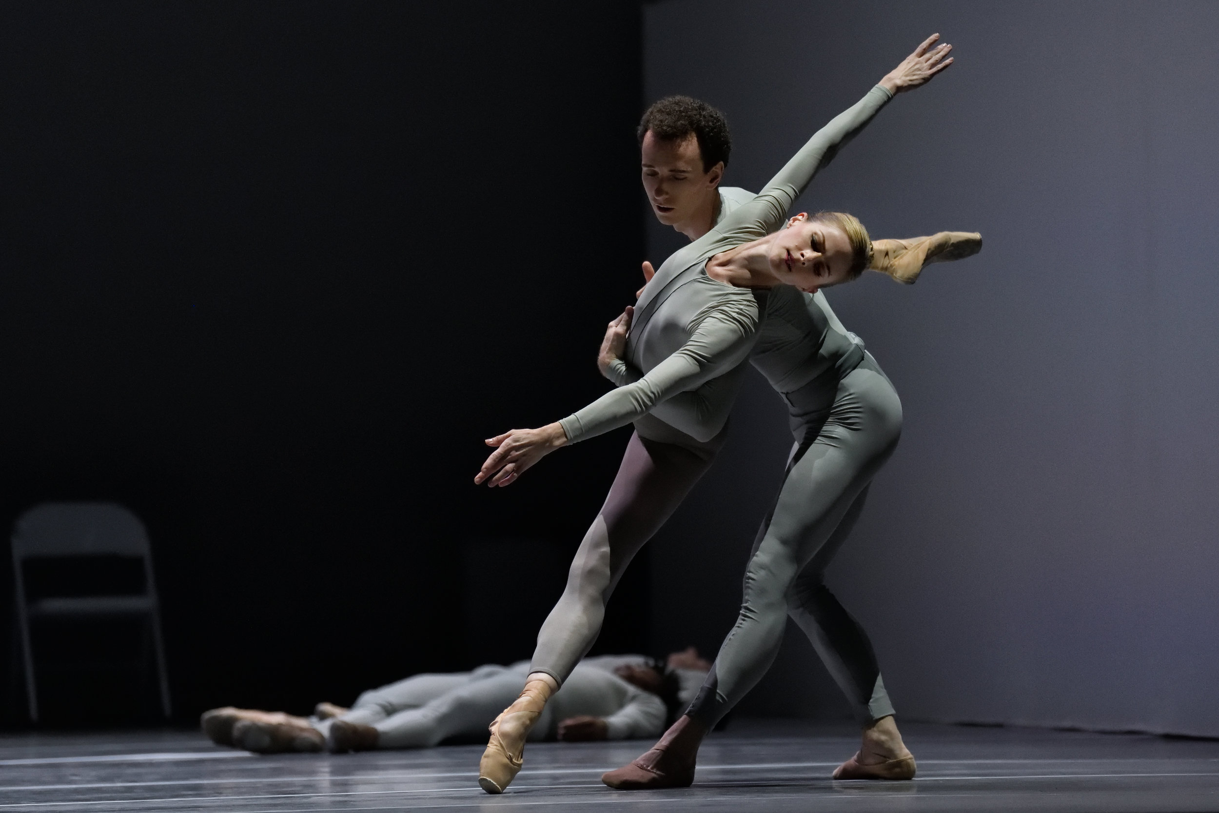 Heather Ogden and Jack Bertinshaw with Artists of the Ballet in  TheSecond Detail . Photo by Michael Slobodian