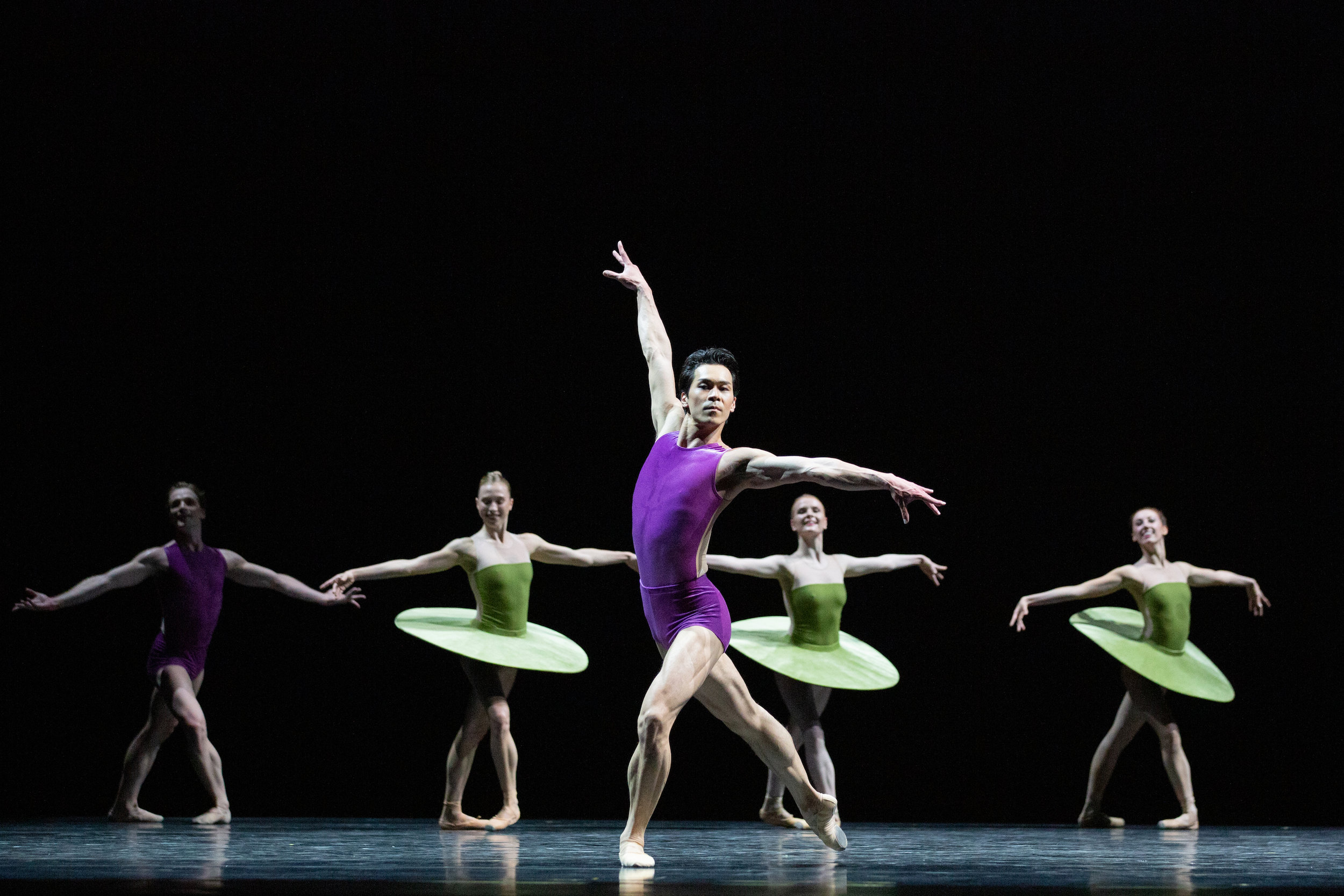 The National Ballet of Canada – The Vertiginous Thrill of Exactitude by William Forsythe.