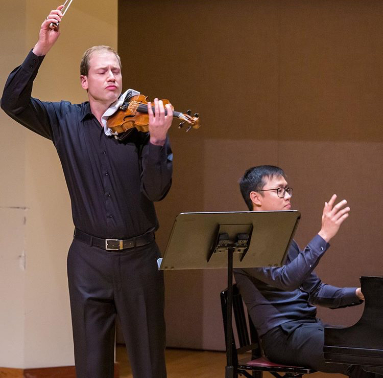Jonathan Crow (violin) and Philip Chiu (piano). Photo by James Ireland for the Toronto Summer Music festival