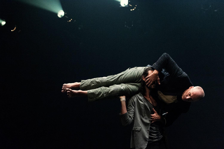 DANCERS OF PARTS + LABOUR_DANSE IN LA VIE ATTEND. PHOTO BY GUZZO DESFORGES