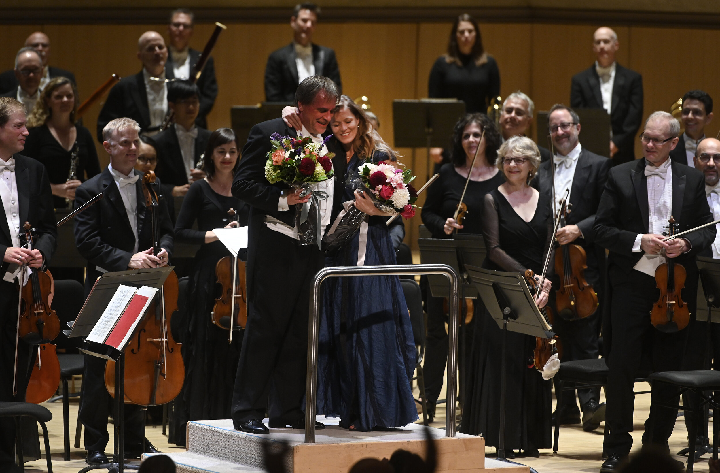 Barbara Hannigan, John Storgårds and the Toronto Symphony Orchestra. Photo by Jag Gundu