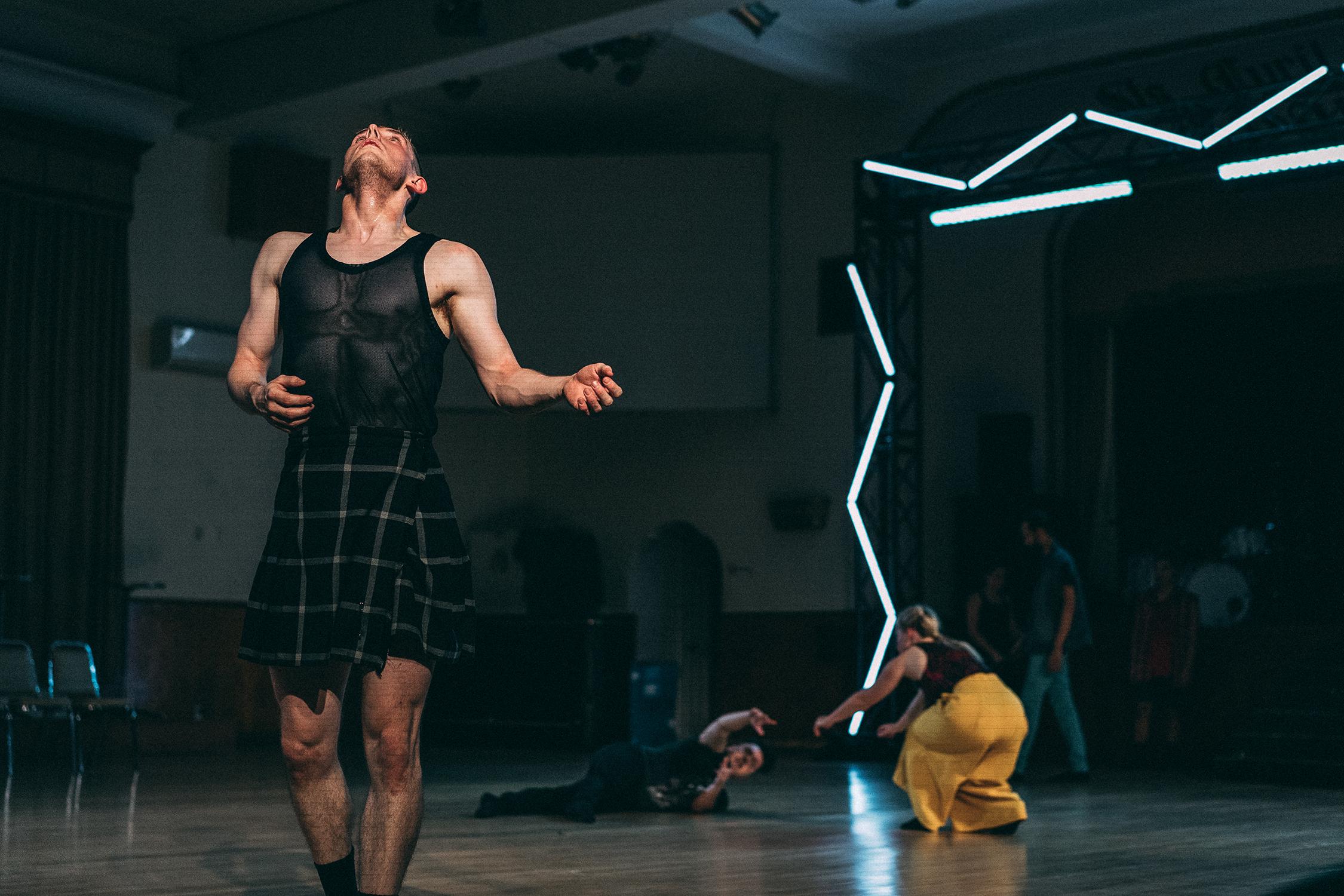 Human Body Expression presents Resonance by Hanna Kiel. Photo by Sam Coyle