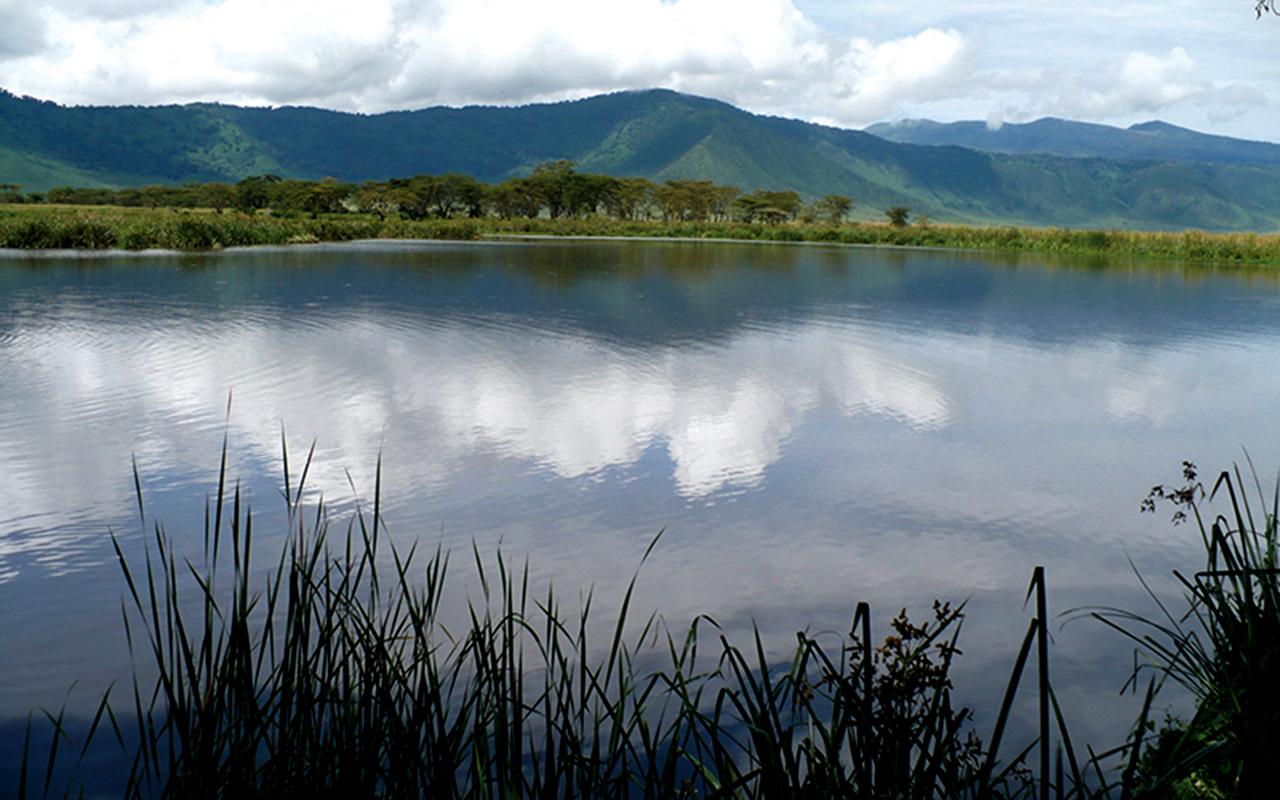 AK-Taylor-Tanzania-East-Africa-Safari-Ngorongoro-Crater -Pond.jpg