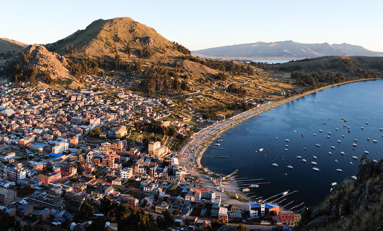 _Free-RightsCopacabana,_Bolivia.jpg