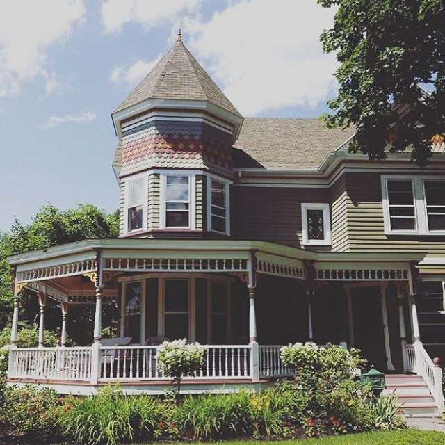 We are looking for volunteers for this years porchfest! If you are interested please dm us and we will get you in touch with the volunteer coordinator. . . . #volunteer #rbkjams #rhinebeck #rhinebeckny #porchfest