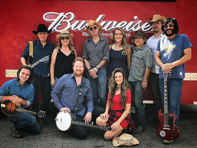Beer & Country music....what's not to love?  One of our favorite gigs @Budweiser #BrewedLocally Los Angeles Event..... ❤️🤠🍺🎸🥁👌🏽 #Budweiser #TheFanciesBand #HappyValentinesDay #heartofdixie #countrywestern #bluegrass #californiacountry