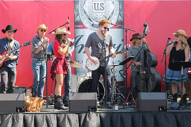 #flashbackfriday Performing Live at the Los Angeles Anheuser Busch Brewery! Such a fun event! 🍻🤝#live #music #brewery #food #festival #fun #budweiser #event #thefanciesband