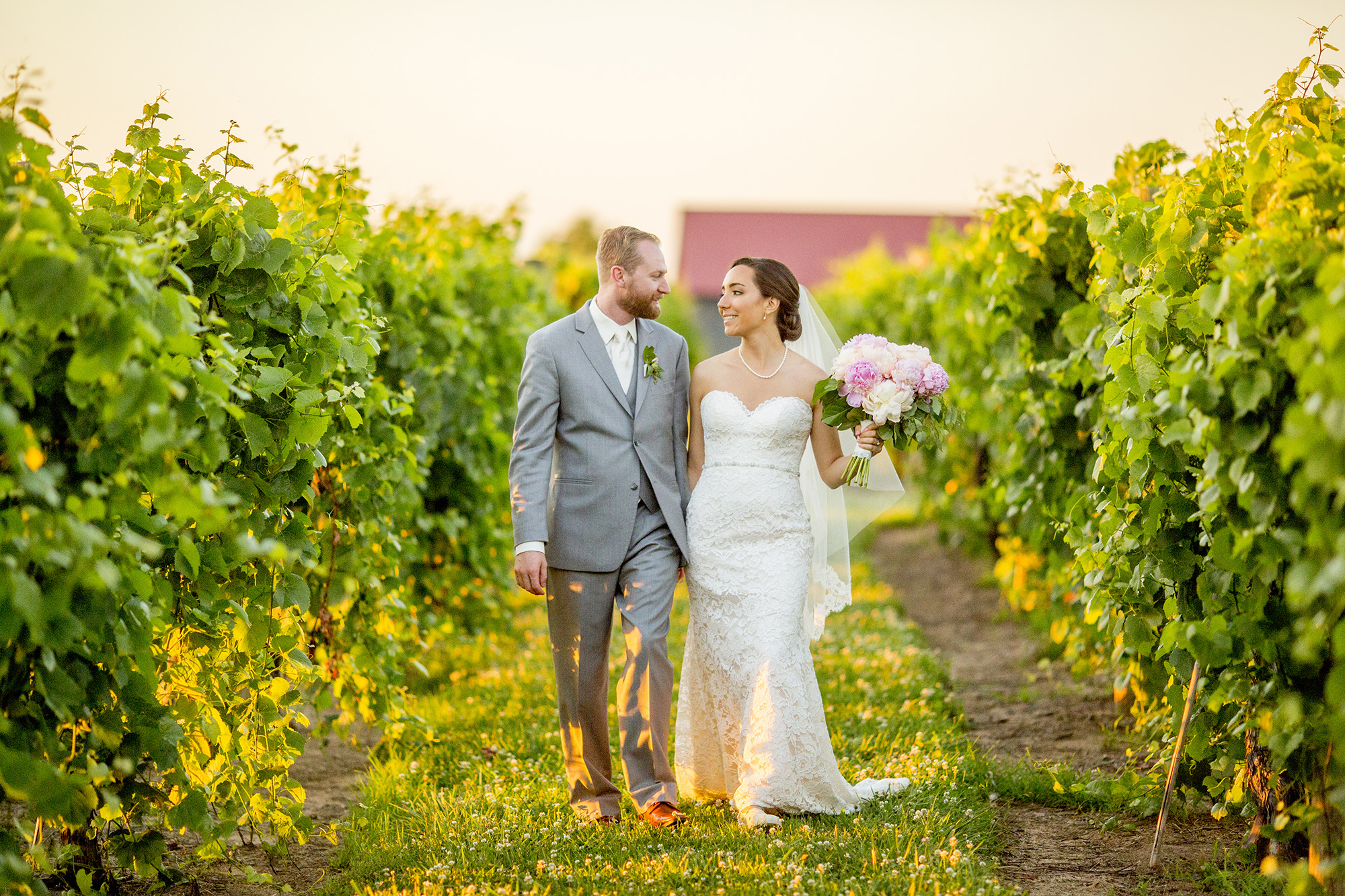 Seriously_Sabrina_Photography_Lexington_Kentucky_Talon_Winery_Wedding_Kjellsen165.jpg