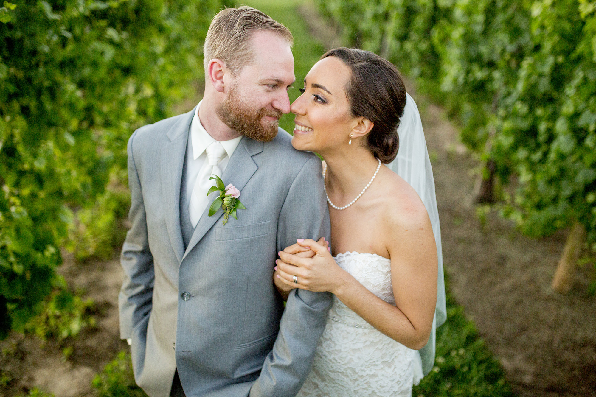 Seriously_Sabrina_Photography_Lexington_Kentucky_Talon_Winery_Wedding_Kjellsen171.jpg