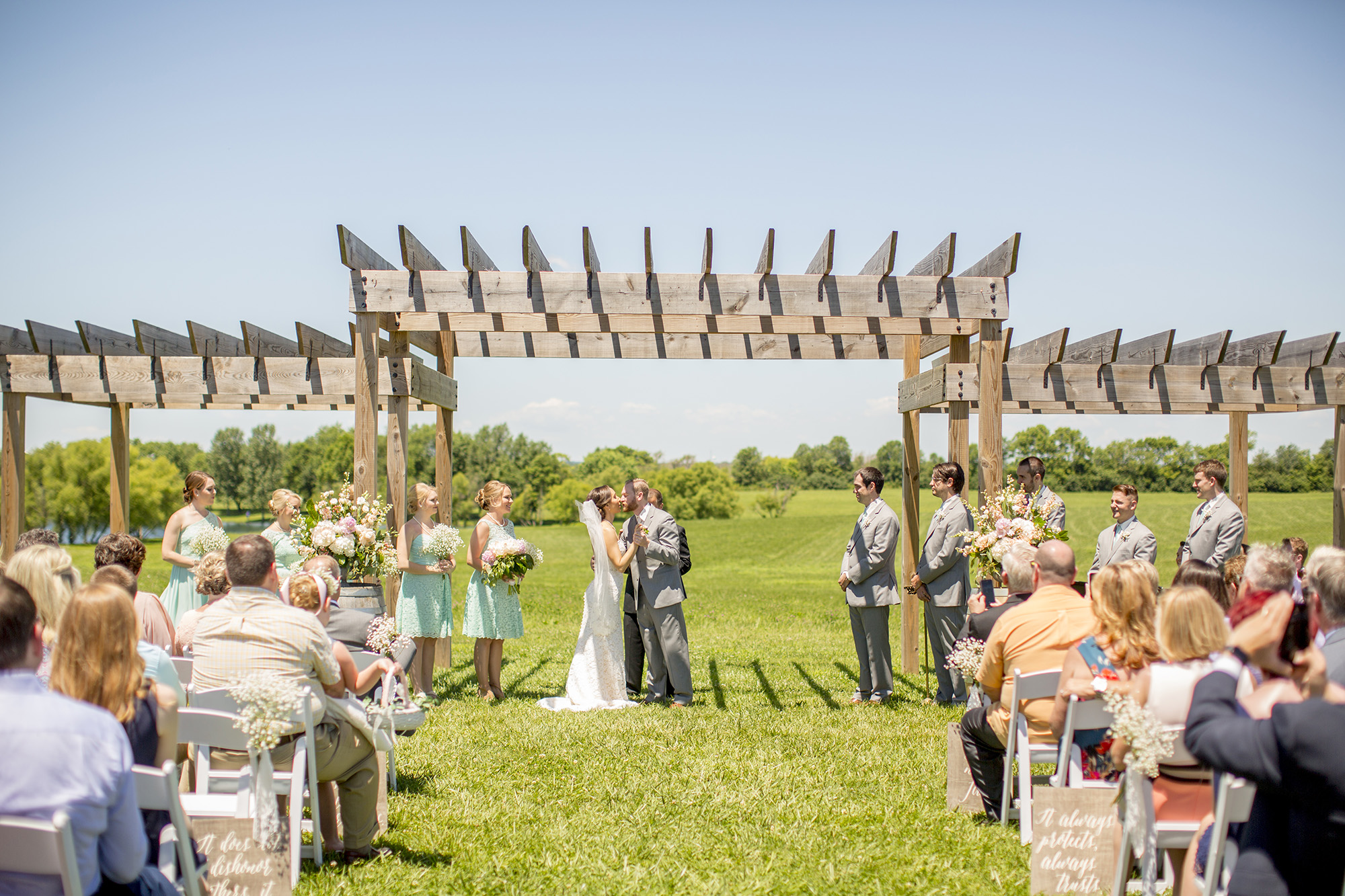 Seriously_Sabrina_Photography_Lexington_Kentucky_Talon_Winery_Wedding_Kjellsen71.jpg