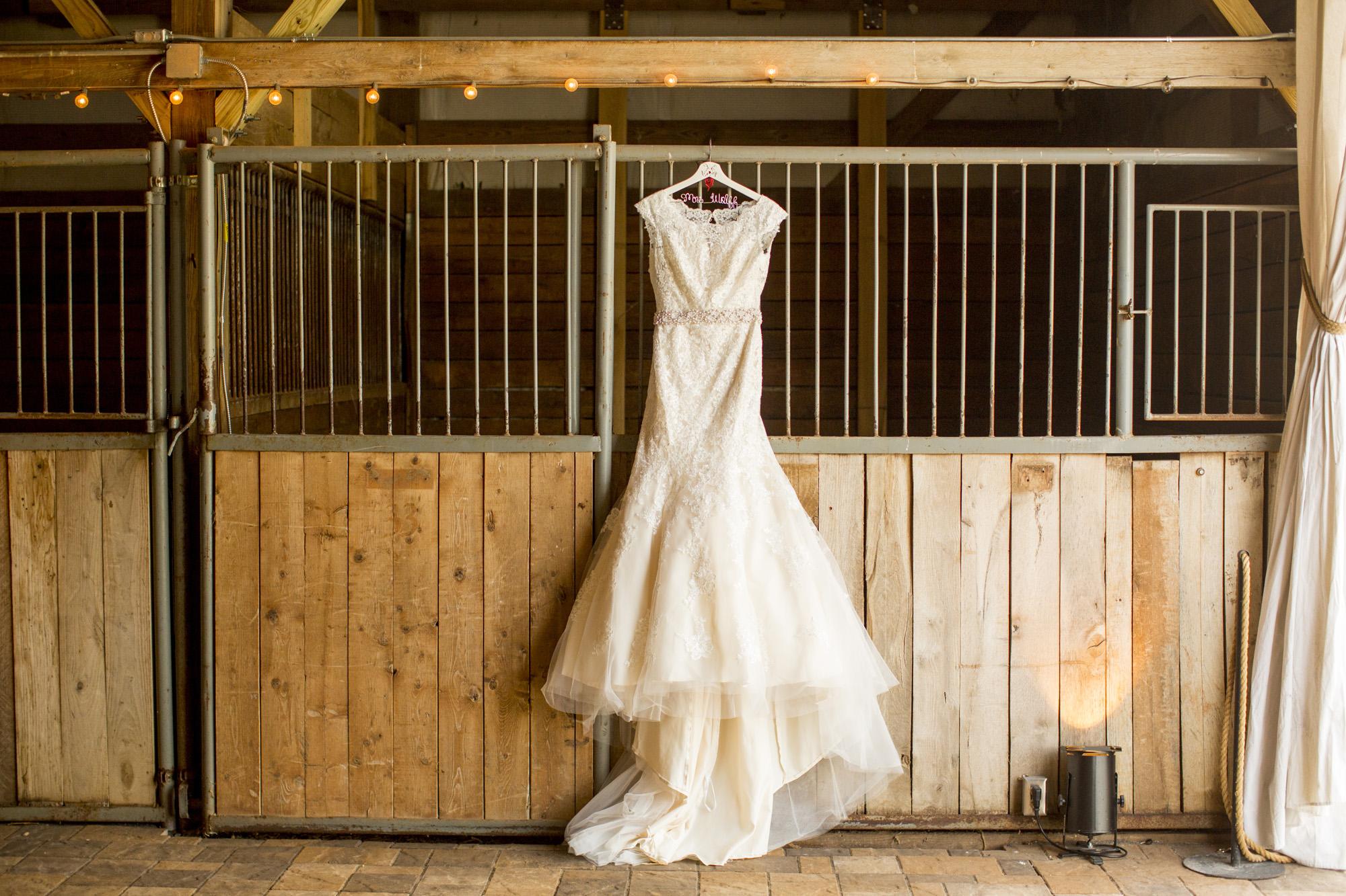 Seriously_Sabrina_Photography_Bowling_Green_Kentucky_Highland_Stables_Wedding_Wolff2.jpg